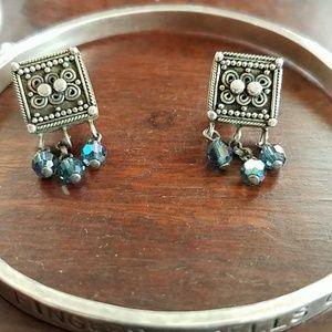 Vintagy beautiful sterling silver post earrings